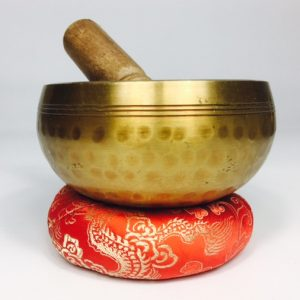 4″ (SOLAR PLEXUS) BRASS HAMMER FINISHED SINGING BOWL – 0.445KG